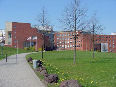 Zentralgebäude der Liegenschaft Brühl
