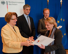 Verleihung der Urkunden durch Staatssekretärin Rogall-Grothe im Bundesministerium des Innern